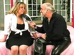 Old coach wants to satisfy his curious cock sucker tube porn video