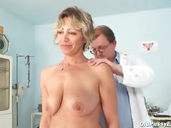 Mature needs doctor exam porn tube video