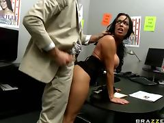 Brunette Boss Uncovers Her Boss' Huge Dong