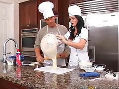 Big Butt babe Melissa Lauren gets banged at the end of cooking show tube porn video