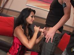 Hot girl in lingerie shows up to make porn