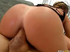Krissy Lynn Gets Anal Sex And Takes Cum On Her Veil In Gonzo