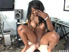 Hardcore Scene With The Thick Ebony Babe Naomi Banxxx
