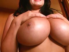 Sarah Nicola Randall posing tube porn video