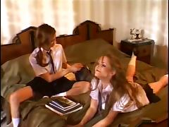 Brun schoolgirls get together for wet pussy licking and dildo fucking lessons