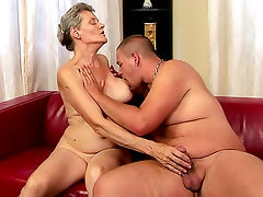 Grandma laid by stiff dick she sucked