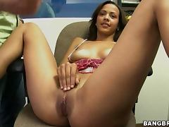pretty girl gets an unforgettable doggy style bang