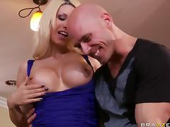 An Amazing Threesome With The Hot Jazy Berlin And Juelz Ventura