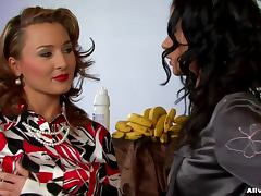 Sexy blouse girls messy food