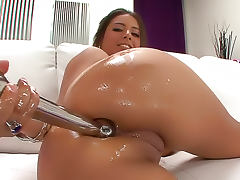 Sexy oiled up ass gets fucked