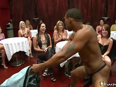 Male Strippers Get Blowjobs From Party Girls