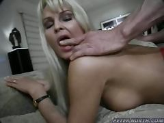 Desirable blond babe Nikki gets fucked in ass