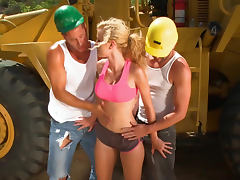 Big tits Jessie Rogers outdoor threesome