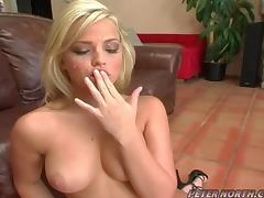Naughty Babe Alexis Texas Deepthroats and Gets a Facial