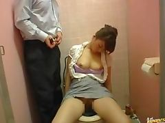 Drunk Japanese chick gets wasted and fucked int eh toilet tube porn video