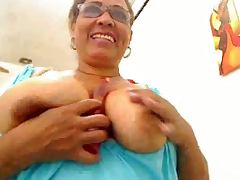 Colombian mature fingering on webcam tube porn video
