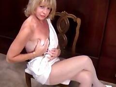 Mature in pantyhose masturbation