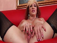 Mature slut in stockings fucked on the sofa porn tube video