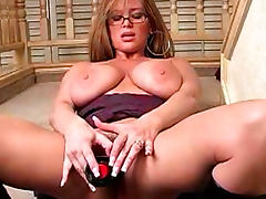 Milf in leather boots fucks pussy up close tube porn video