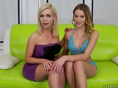 Berinice shows her fisting skills to Isabella Clark