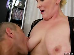 Randy Mature Vixen Molly Maria Playing with Her Sex Pet