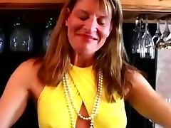 Fit mature swinger fucks her wet pussy tube porn video