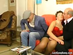 Old mature slut got gang banged