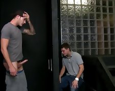 Straight guy gets gay blowjob at gloryhole porn tube video