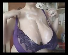 British BBW in Kitchen tube porn video