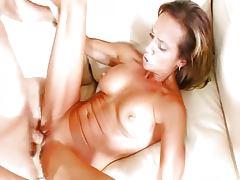 Horny cougar mom gets it balls deep