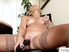 Mature amateur solo dildo porn tube video