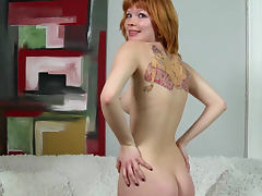 Tattooed ginger babe Mia Sollis shows her body tube porn video
