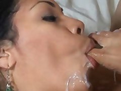 Cassandra Cruz footjob and blowjob cum on toes
