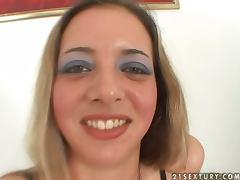 Cock Sucker Gets Speculum In Her Twat tube porn video