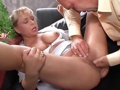 Mature woman fucks andSQUIRTING MANY TIMES tube porn video