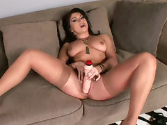 Lea Lexis loves her new rubber dick