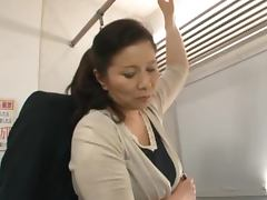 Mature Japanese Slut Chizuru Iwasaki Having Sx in a Train