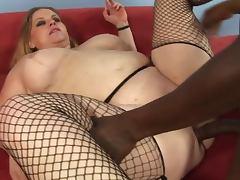 Fat blonde Jenna Cruz sucks a BBC and warms it in her slit