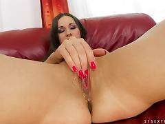 Randy Brunette Ashley Gets a Wet Pussy From Fisting