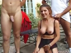 Mature fuck in the garden anal DP porn tube video