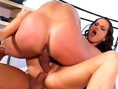 Hardcore anal threesome with sensual Luisa de Marco