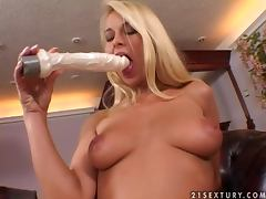 Naughty blondie Nikki Sun gives a real hot solo action