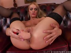 Sexy Steffie toys her juicy pussy until she cums