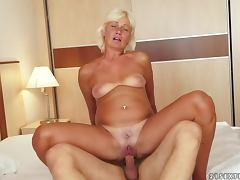 Kate Blonde gets her old pussy licked and fucked from behind