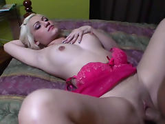 Hot blonde Holli Star is riding on the dick