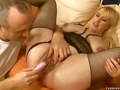Busty blonde granny Beverly gets her vag fingered and toyed