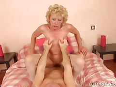 Margarette sucks a dick in a car and gets her ass fucked hard
