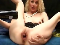 BOTTLE OF WINE PUSSY MILF INSERTION
