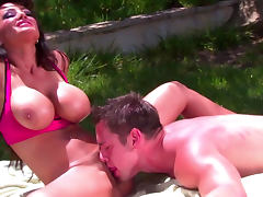 Hardcore pornstar Lisa Ann is getting tasty load of sperm