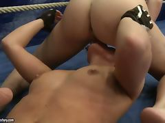 Anita Hengher and Bianca Arden practise scissoring on a ring